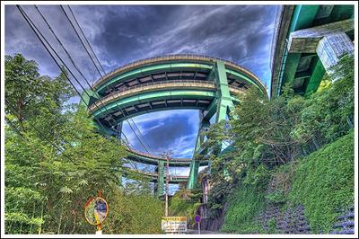 ingenieria-en-la-red-kawazu-nanadaru-loop-bridge-11.jpg