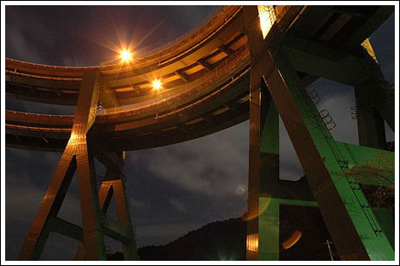 ingenieria-en-la-red-kawazu-nanadaru-loop-bridge-14.jpg